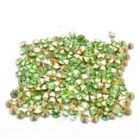 Swarovski стразы стеклянные № 7 (конусные, зеленый ) 40шт/уп